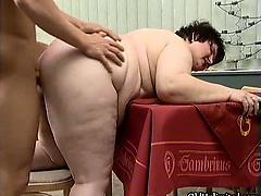 Fat mature whore goes crazy sucking