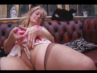 Busty mature babe panty tease