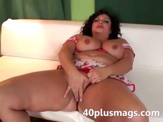 Pretty chubby latina MILF